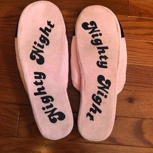 Juicy Couture Shoes - Adorable Juicy Couture Slippers!